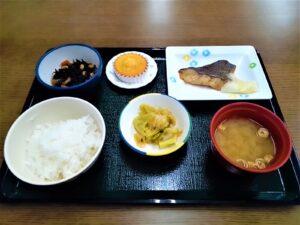 昼食 魚 めぬき