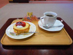 ひな祭り 販売 コーヒー ロールケーキ