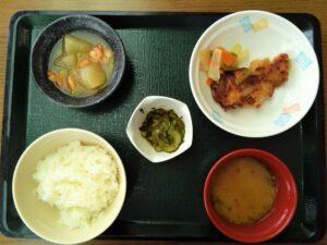 食事 食堂 新米